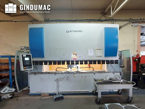 Máquina curvadora ADIRA PMO-16040PLS
