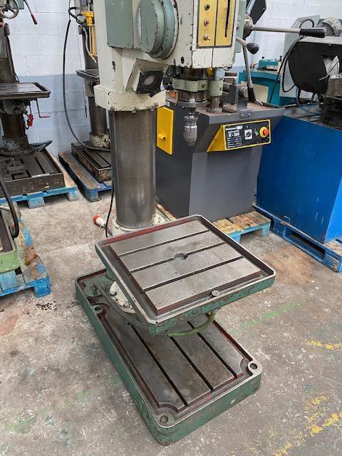 Taladro de columna de transmisión por engranajes y avance automático