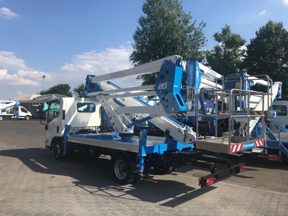 Plataforma sobre camion 19Mt Socage 20D
