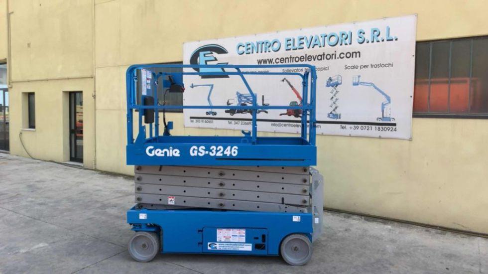 Plataforma de tijera 12Mt Genie GS 3246