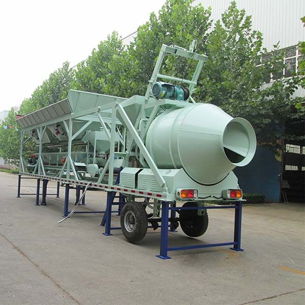 Mobile concrete batching mixing plant