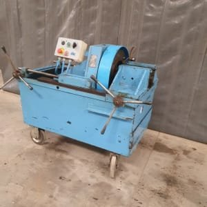 CBC MOD 620 Electric thread making machine
