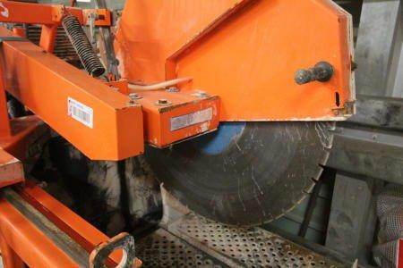 SAINT-GOBAIN JUMBO 900 Stone Cutting Saw