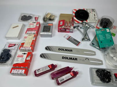 Lot of chainsaw accessories (NEW)
