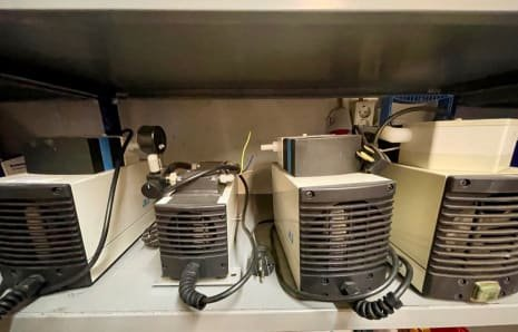 KNF NEUBERGER Lot of (4x) vacuum pumps