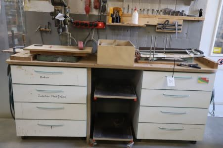 Drawer cabinet with content