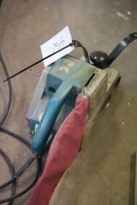 MAKITA 9402 Hand belt grinder