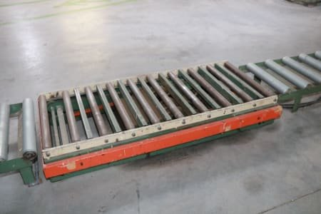 Lifting roller conveyor