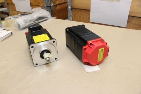FANUC A06B-0216-B000 (2x) Motor