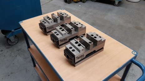 Mordaza TECMA SDV-100 Lot of s/Centric Double Clamps