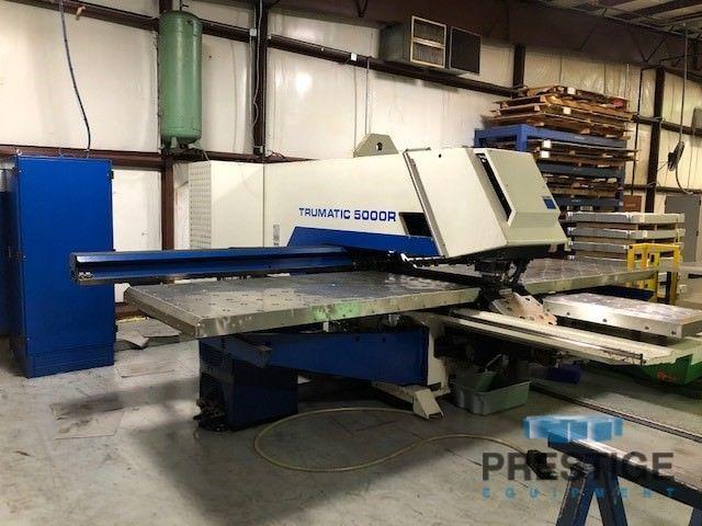 Perforadora de torreta CNC