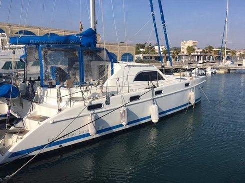 Catamarán de 11,78 m de eslora