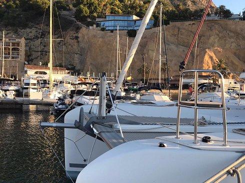 Catamarán de 12,80 m de eslora
