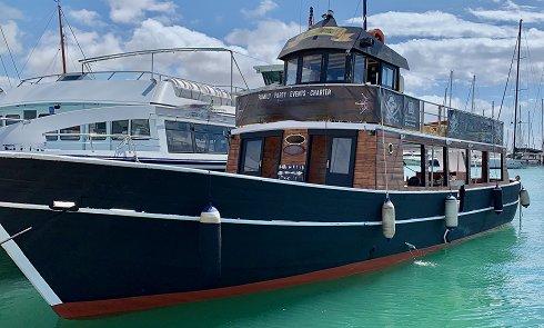Barco de pasajeros de 21,84 m de eslora