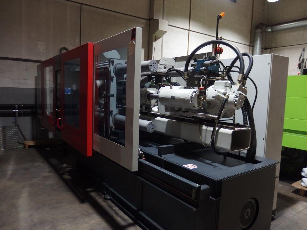 Inyectora termoplástico 200 ton