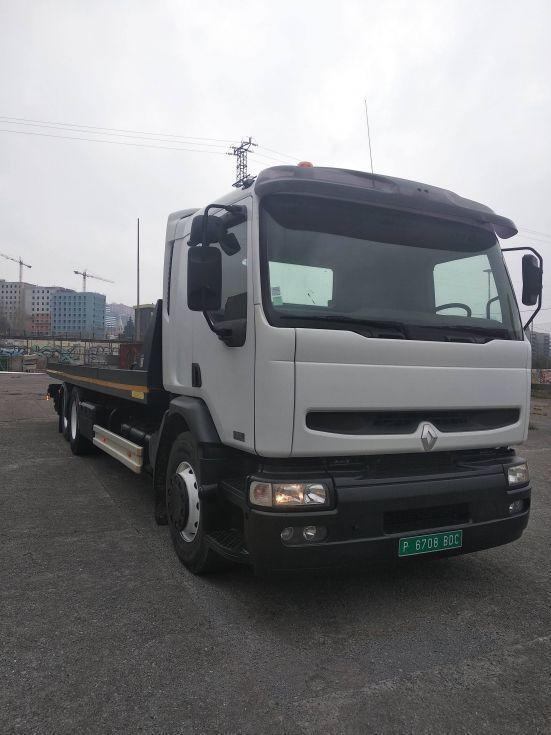camion portamaquinaria