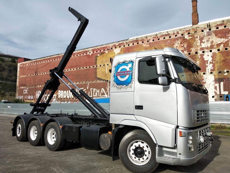 camión portacontenedor