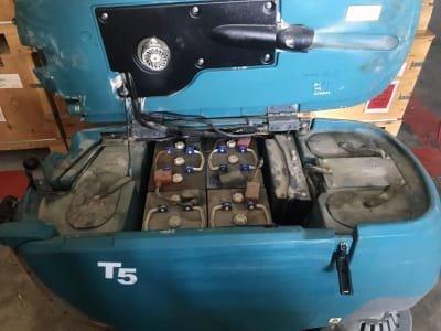 Fregadora/Secadora de Suelos TENNANT T5