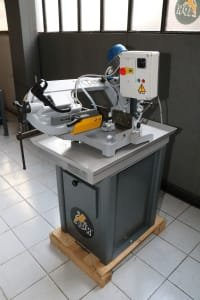 Sierra de vaivén mecánica IPR 210