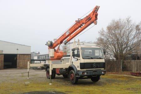 MERCEDES /BöCKER Mercedes Truck with Böcker mobile crane DA53
