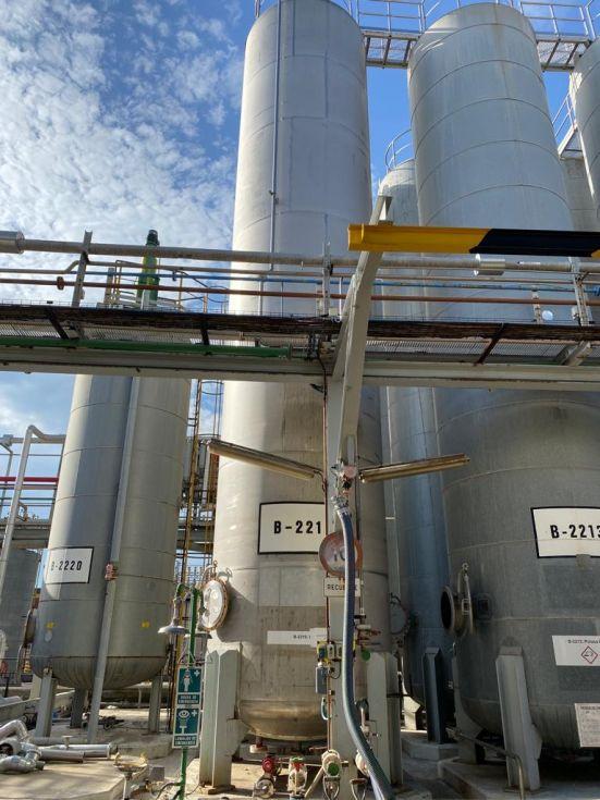 Deposito acero inoxidable 60.000 litros con serpentin interior de segunda mano