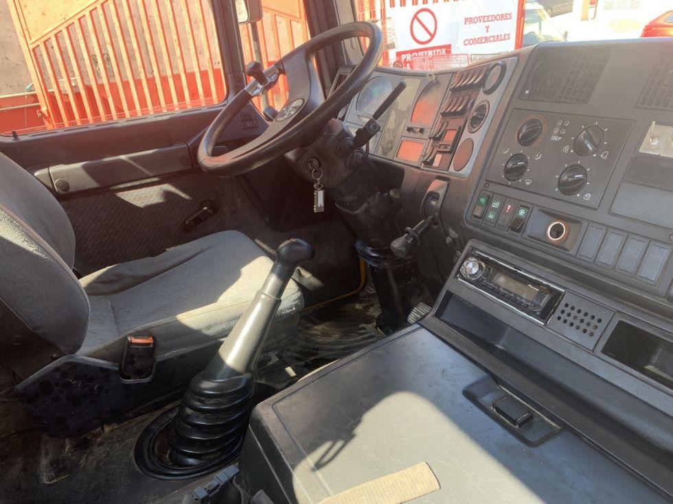 Bomba de hormigón Putzmeister BSF 52.20H Camión Man E86