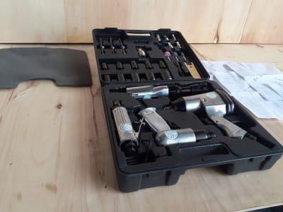 AIR TOOLS Pneumatic Tool Set