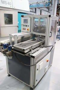 Máquina para carga/descarga de torno CNC