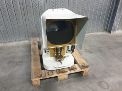 LUTHY profile projector