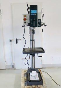 UWM 28 A Pillar drilling machine