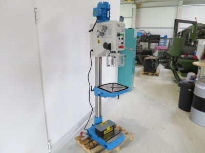 HBM 30 Profi Gear drilling machine