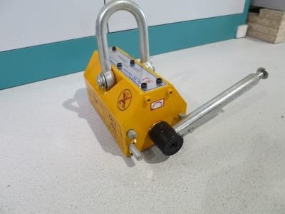 MAGNET 600 2pcs. Load lifting magnet
