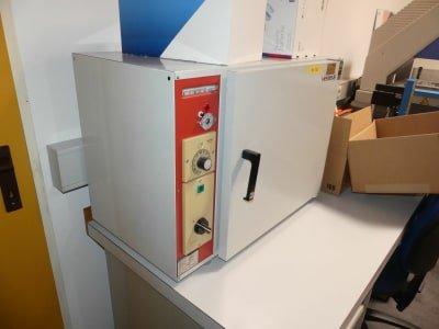 HERAEUS T 5042 E Hardening Oven