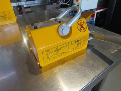 Load lifting magnet MAGNET 300