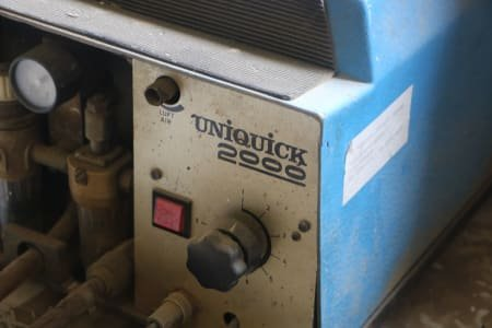 UNIQUICK 2000 Universal Quick-Screw Machine
