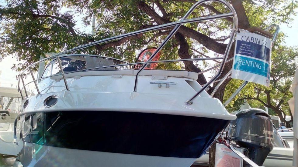 Barco Italmar Cabin 22 seminuevo + motor fueraborda Yamaha F150 DETL de 150 Hp nuevo