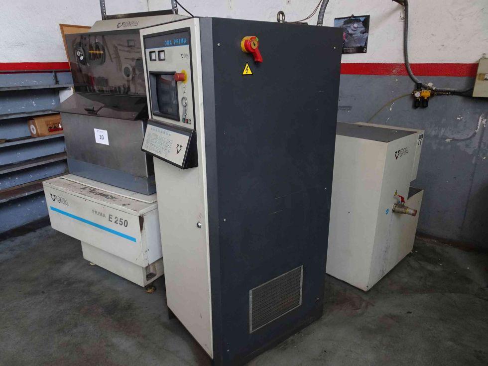 Máquina electroerosión por hilo CNC