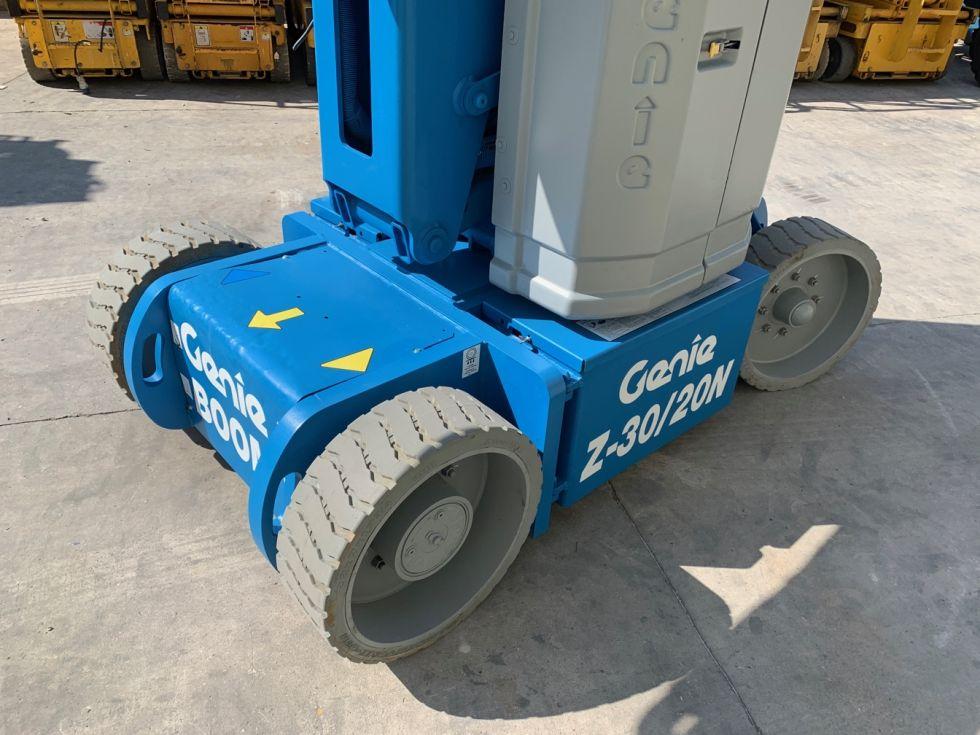 Plataforma articulada autopropulsada 11Mt Genie Z30/20N hora 321