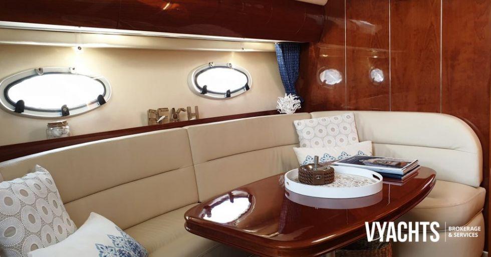 Embarcación Princess V42