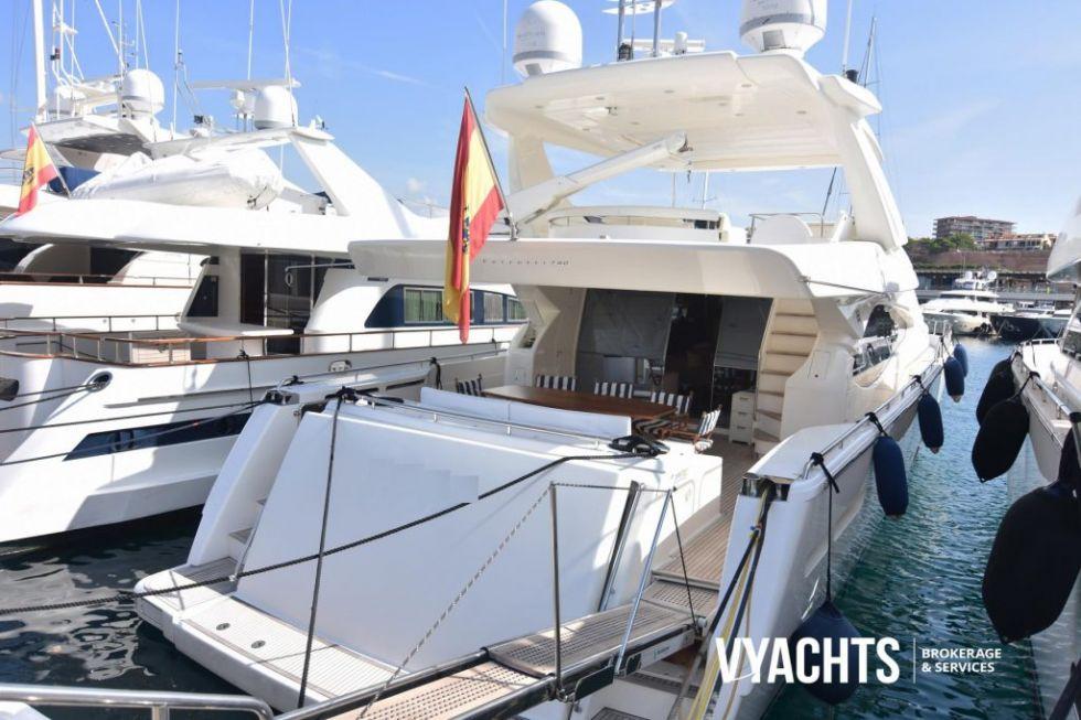 Embarcación Ferretti 780