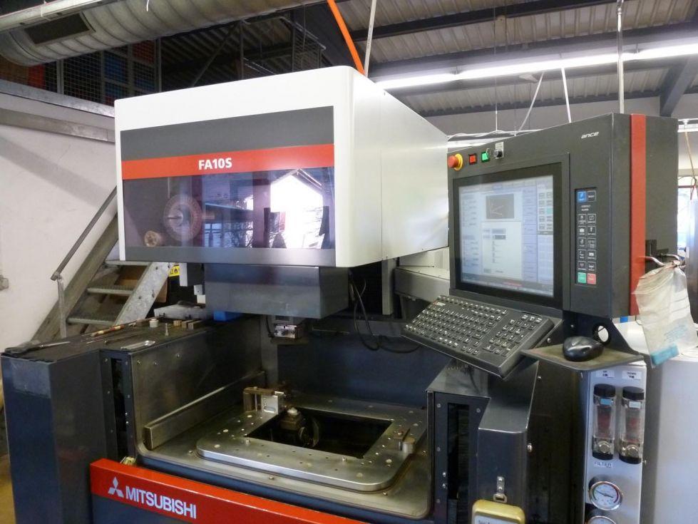 MITSUBISHI FA10 S EDM Wire cutting machine 6470 = Mach4metal