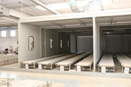 CEMA Painting and drying system for assembled furniture