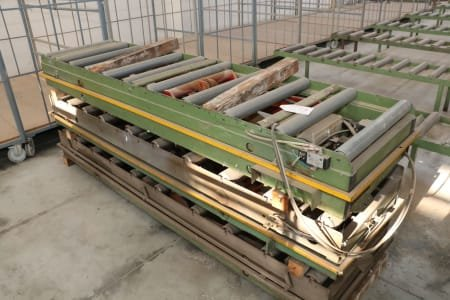Lot of lifting tables
