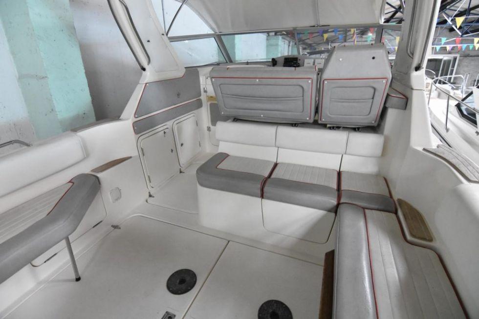 Embarcación Sealine 290 Ambassador