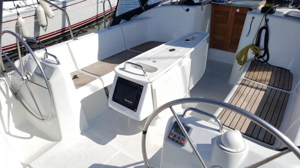 Embarcación Beneteau Cyclades 393