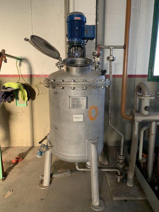Deposito bachiller acero inoxidable 370 litros con agitacion de segunda mano
