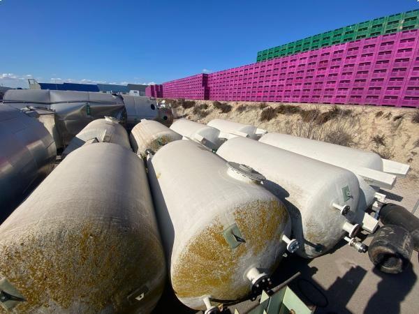 Depósito 8.000 litros vertical en poliéster