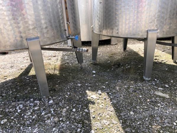 Depósito 2.000 litros sencillo con boca superior en acero inoxidable