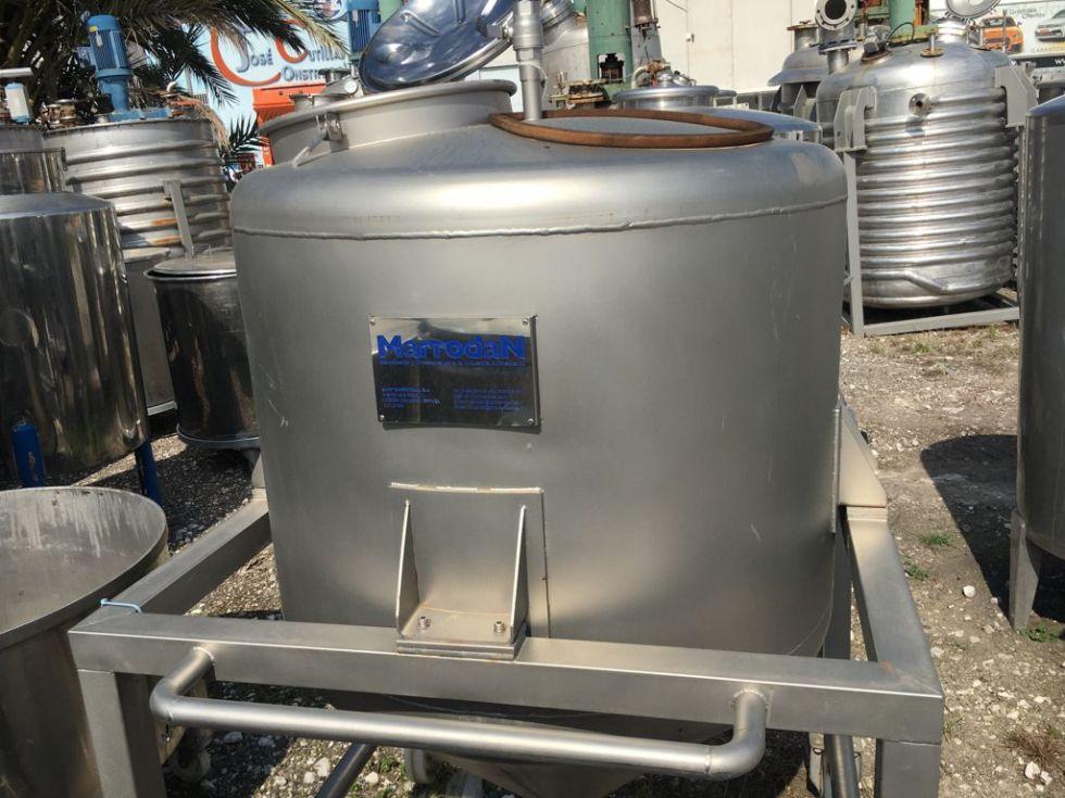Depósito 600 litros en acero inoxidable 316 con ruedas para fácil desplazamiento MARRODAN