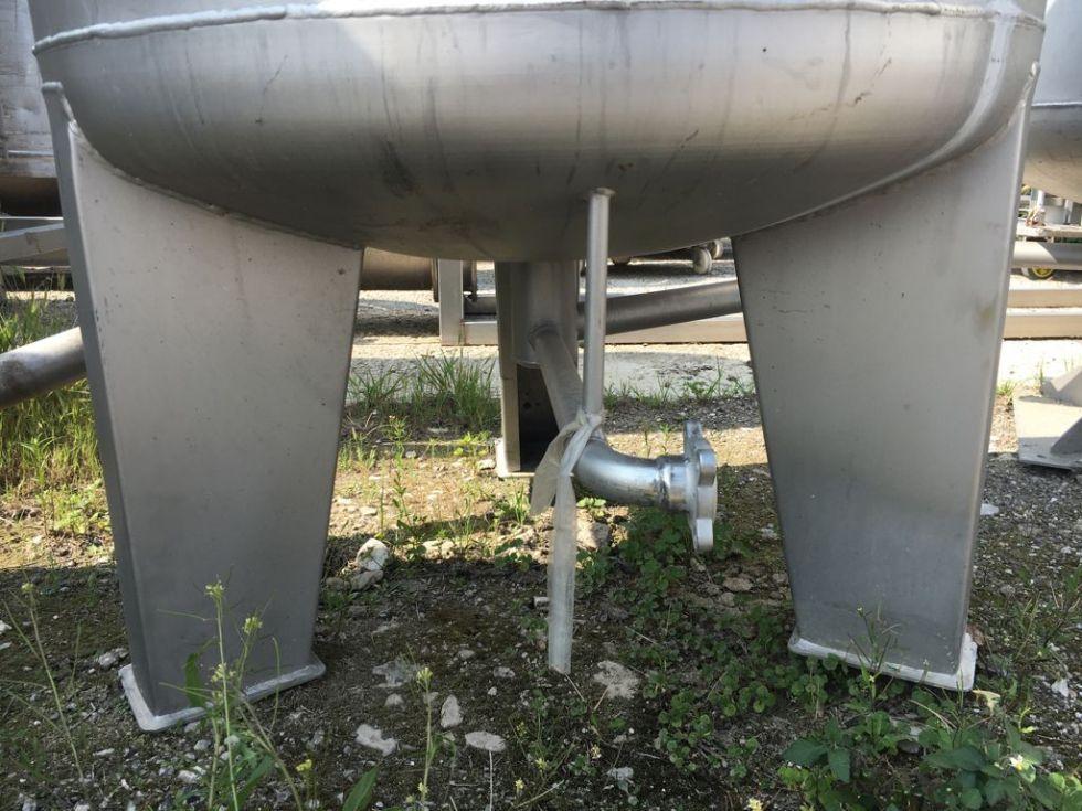 Depósito 350 litros en acero inoxidable 316 con duchas para agua y filtro en salida
